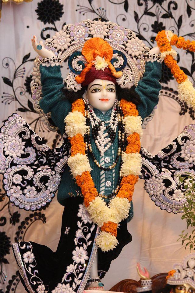 ISKCON Kanpur Deity Darshan 19 Dec 2015 (14)