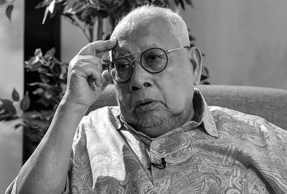 Tun Salleh Abas meninggal dunia