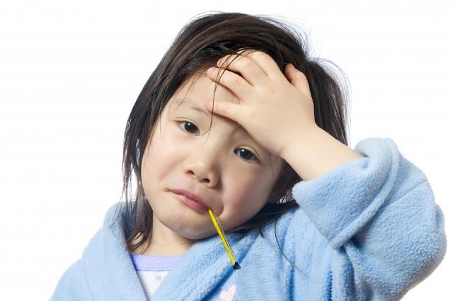 sakit kepala sakit kepala Formula Terbaik Atasi Demam dan Sakit Kepala Flu iStock 000005329238Large