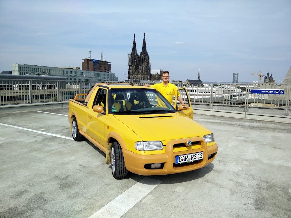 Skoda Felicia FUN und ich vor dem Kölner Dom