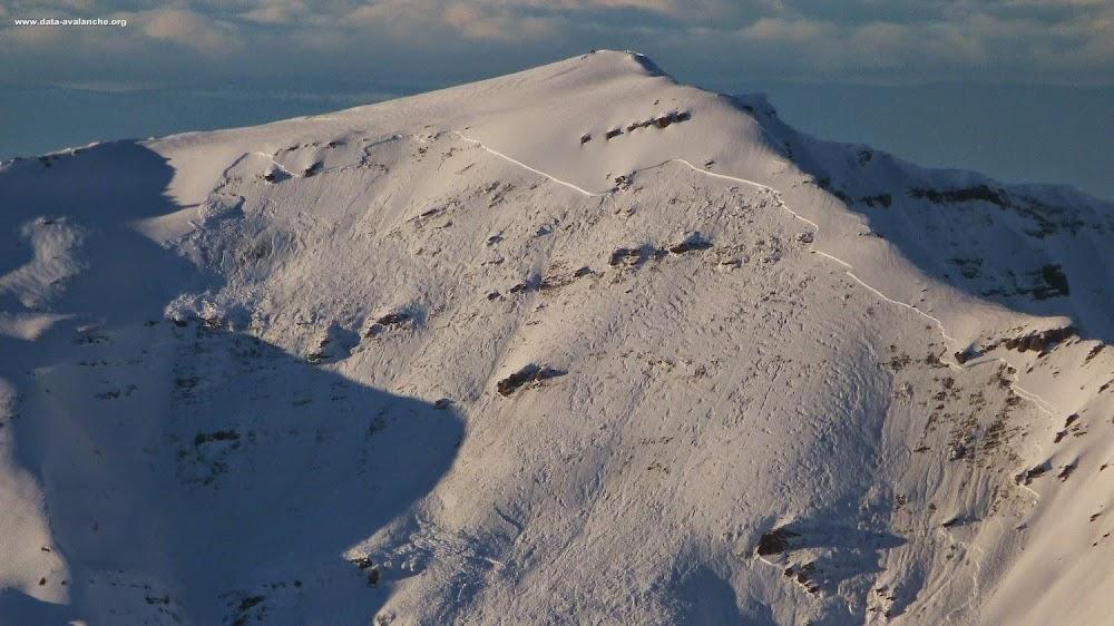 Avalanche Mont Blanc, secteur Mont Buet, Voie normale face Sud - Photo 1