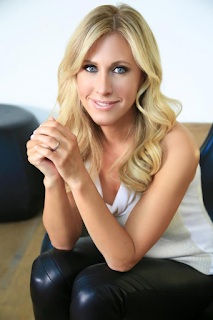 Emily Giffin   Net Worth, Income, Salary, Earnings, Biography, How much money make?