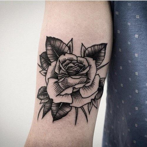 este_preto_e_cinza_rose_tattoo