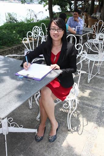 Nguyễn Hoàng Nam nữ doanh nhân trẻ tự tin và bản lĩnh
