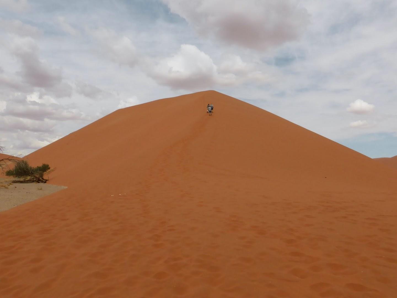 Beklimmen van de bekende duin 45