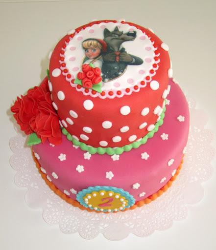 763- Pip stijl Roodkapje taart.JPG