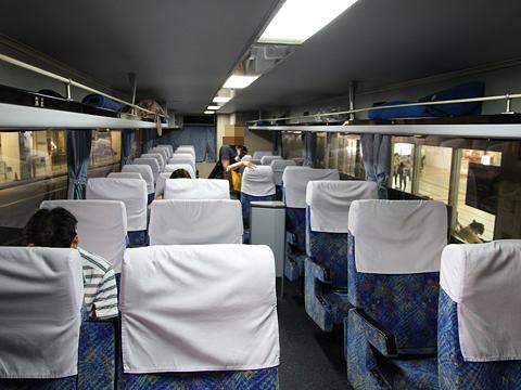 西鉄高速バス「フェニックス号」 9910 車内