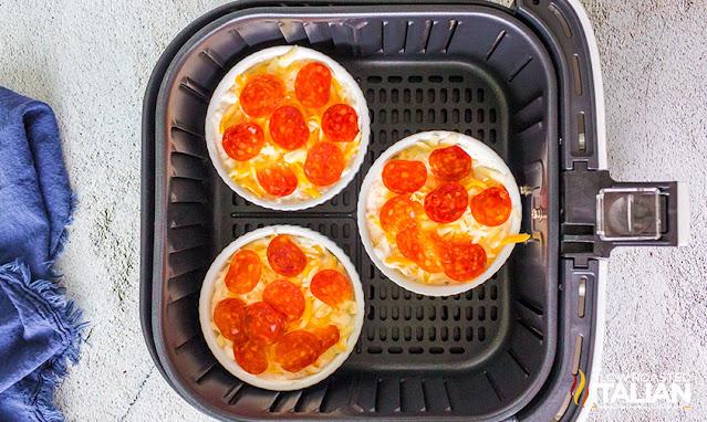 pepperoni pizza dip in air fryer basket