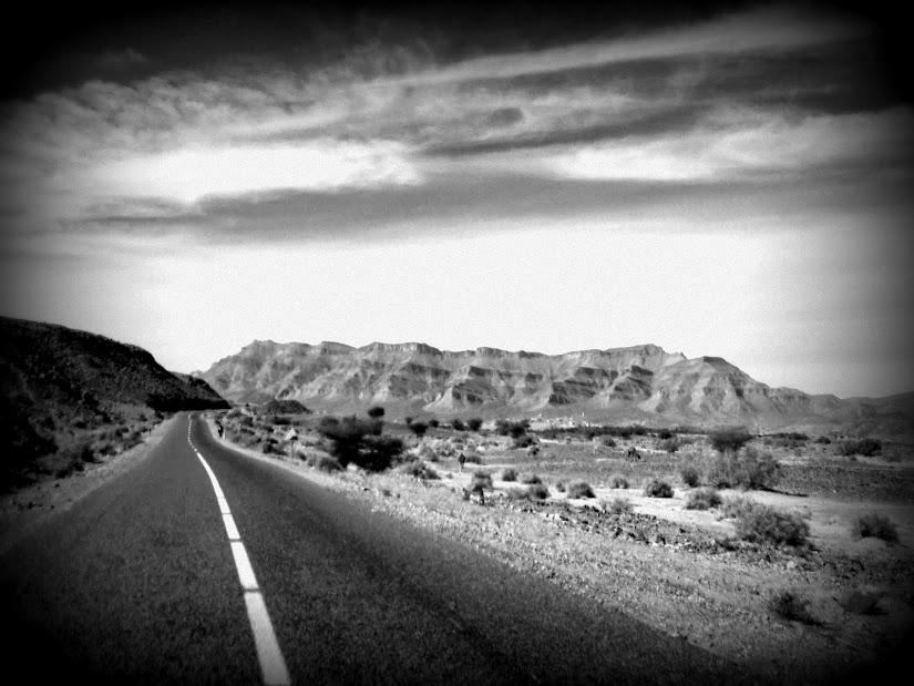 Marrocos e Mauritãnia a Queimar Pneu e Gasolina - Página 13 DSCF1484