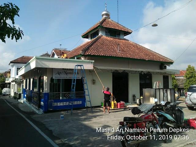 Kegiatan Bersih-bersih Masjid An Namiroh Perum Depkes,Keramat Utara dan Masjid Hamdan Al-Mutohiri Losmenan Kelurahan Panjang kota Magelang