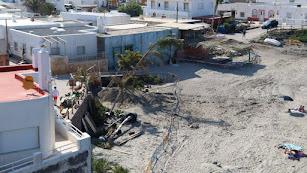 Vista general de la Isleta del Moro durante los preparativos del rodaje. (Foto: cortesía de 'Cine en serie')
