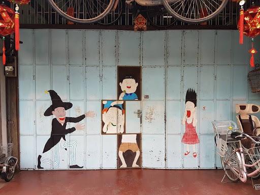 Street Art Locker at bicycle rental shop in Georgetown