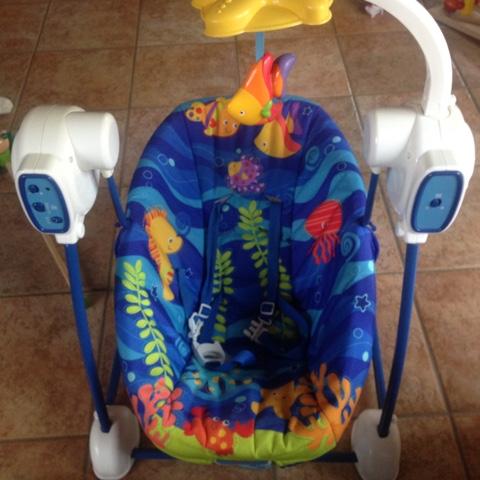 Elektrische Babywippe für das kommende Baby