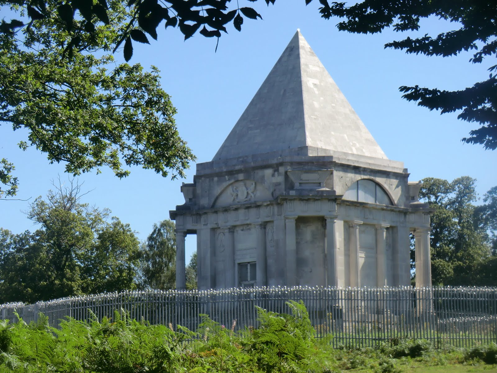 CIMG3871 Darnley Mausoleum