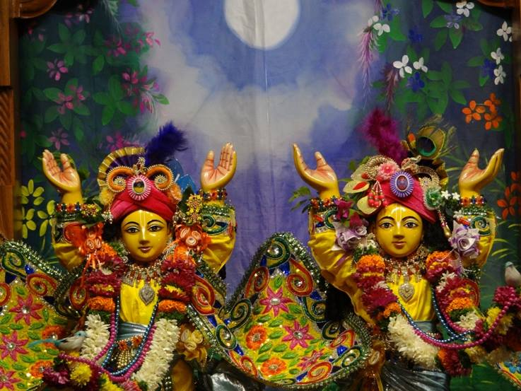 ISKCON Nigdi Deity Darshan 18 Dec 2015 (34)