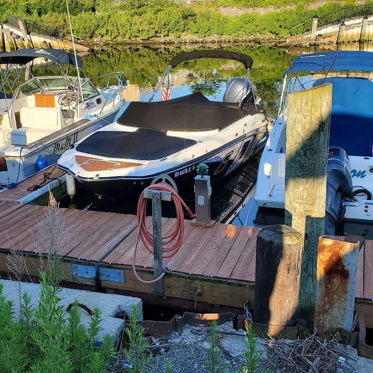 Ebb Tide Boat Rentals Inc  - Marina in Greenwich