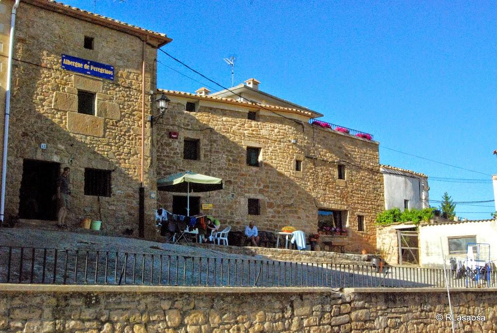 Albergue de peregrinos Hogar de Monjardín, Villamayor de Monjardín, Navarra, Camino de Santiago