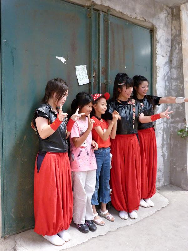 Groupe japonais après leur spectacle