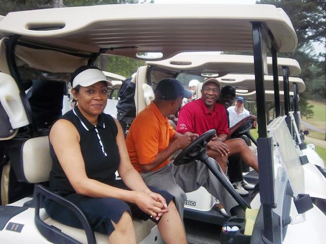2011 NFBPA-MAC Golf Tournament - Golf%2BV1%2BApril%2B8%252C%2B2011%2B073.JPG