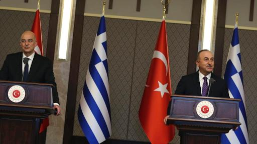 في أول زيارة مصالحة خلاف بين وزيري خارجية اليونان وتركيا ( فضيحة في لقاء المصالحة)