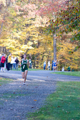 Deanna DiLandro of Ramapo with a convincing win in group b. Photo by Tom Hart.