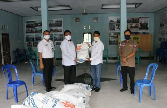 Bantuan Cadangan Beras Warga Terdampak Covid-19 Mulai Disalurkan