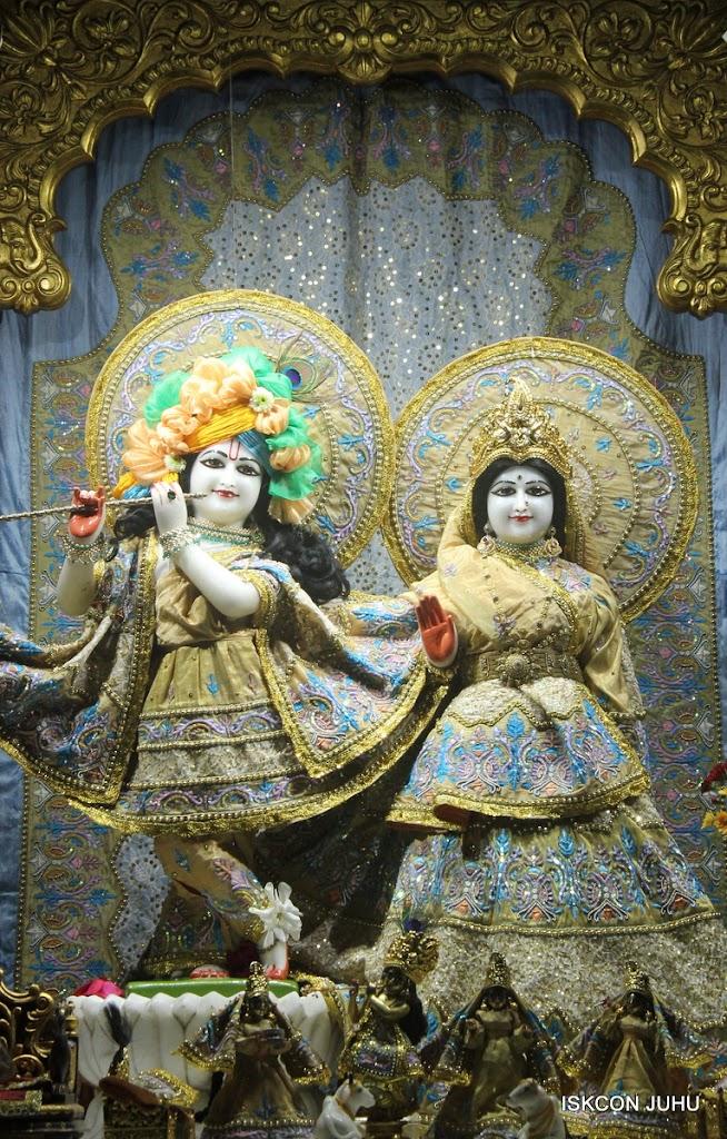 ISKCON Juhu Mangal Deity Darshan on 24th July 2016 (14)