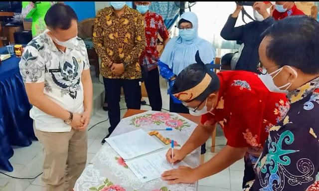 DPMD Kapuas bersama Stakeholder Teken Berita Acara IDM