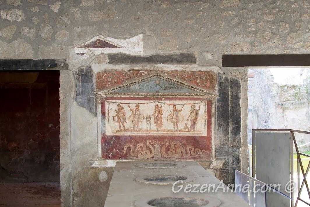 Pompei'de kalmış nadir resimlerden