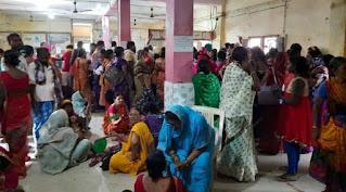 Bihar News/बैंक में राशि निकासी के दौरान तीन आंगनबाड़ी सेविकाएं बेहोश, अफरातफरी