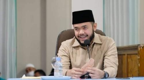 Di Masjid Nurul Yaqin, Wako Fadly Amran Sampaikan Program Wifi Gratis di Masjid