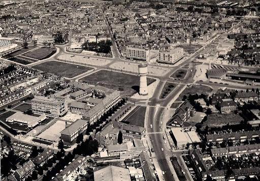1964. Lucht foto van centrum Den Helder.jpg