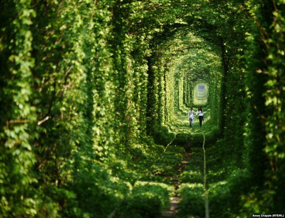 tunnel-of-love-klevan-1