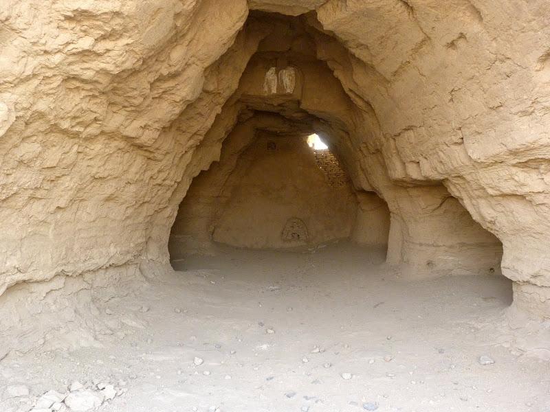 XINJIANG.  Turpan. Ancient city of Jiaohe, Flaming Mountains, Karez, Bezelik Thousand Budda caves - P1270773.JPG