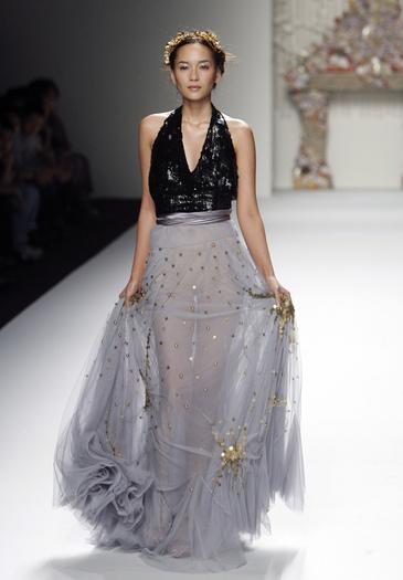 Thailand Week Thai Fashion Food And Fun: Celebrityfashion: Fashion Around The World Series: Thailand
