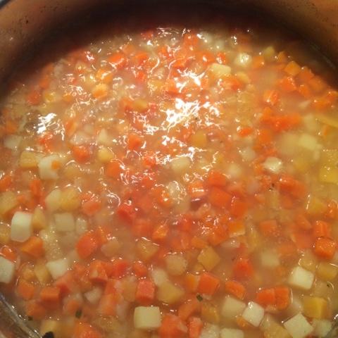 Gemüse in Brühe