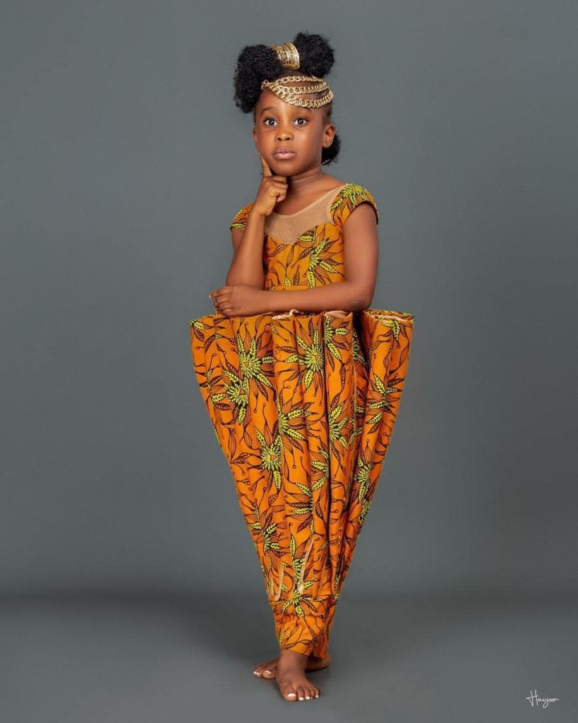 99 Edition Of #Ebfablook - Do You Wana be Trendy Woman? Here's The new Aso Ebi Styles for you