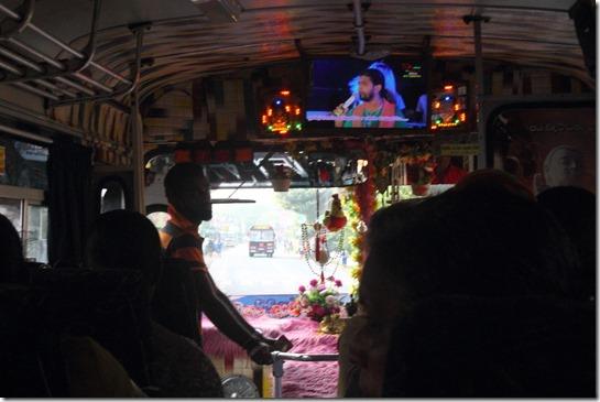 Шрі-Ланка, автобус
