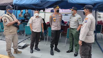 Pemercepatan Vaksinasi,  Kapolres Tinjau Gerai Vaksin di Pasar Pusat Padang Panjang