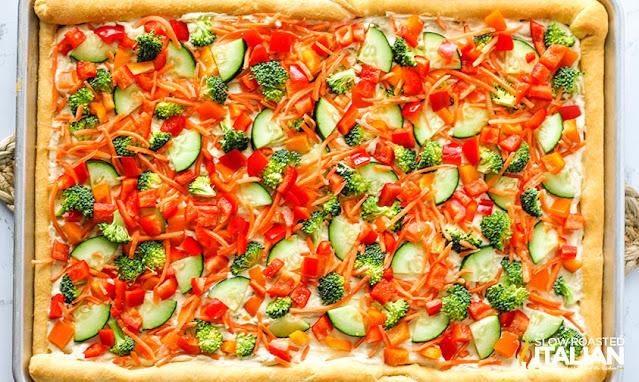 vegetarian pizza with hummus