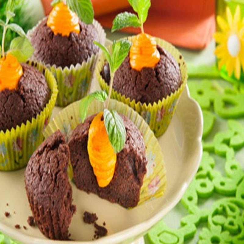 Cupcakes al cioccolato per festeggiare Pasqua in famiglia o con gli amici.