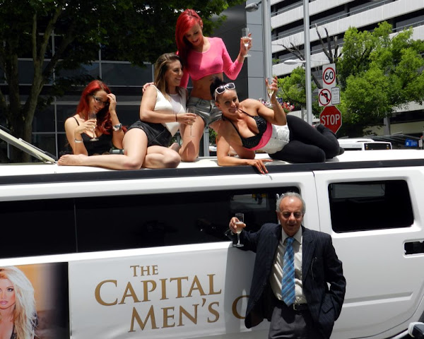 strippers on a stretch hummer