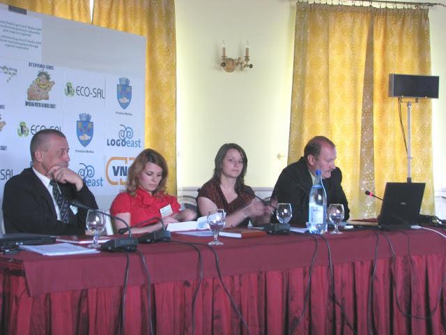 Conferinta finala a proiectului LOGO EAST - mai 2009 - poze%2Bconferinta%2B2%2B032.jpg