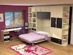 Habitacion con cama, mesa de estudio y puente