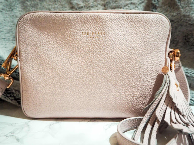 lifestyle-fashion-blog-ted-baker-camisa-tassel-detail-camera-bag-pink-crossbody-bag