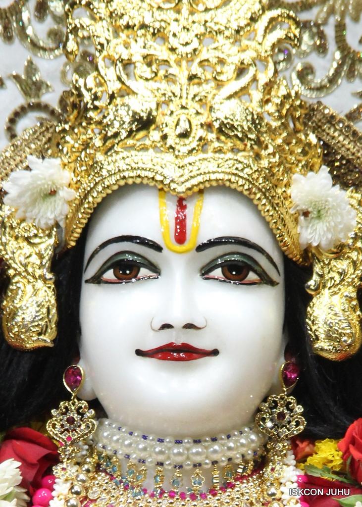 ISKCON Juhu Sringar Deity Darshan on 11th Sep 2016 (48)