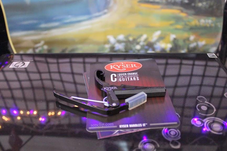 Capo Guitar Classic  - Kyser KGCB