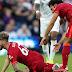 Strujik, do Leeds United, dá entrada dura e quebra perna de Elliott, do Liverpool
