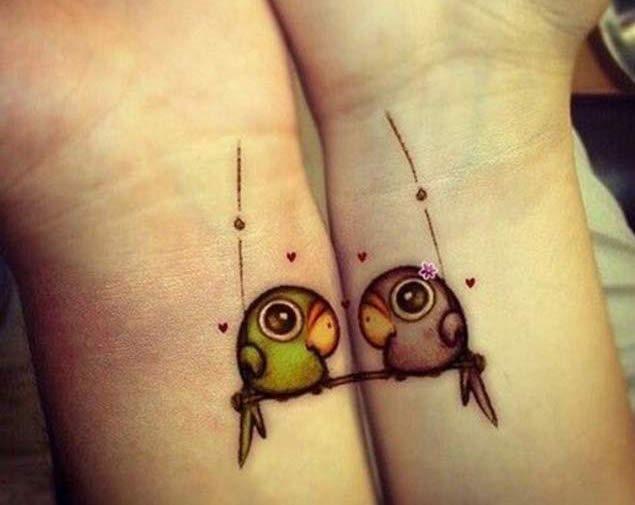 correspondncia_de_pssaros_do_amor_de_tatuagens_de_pulso