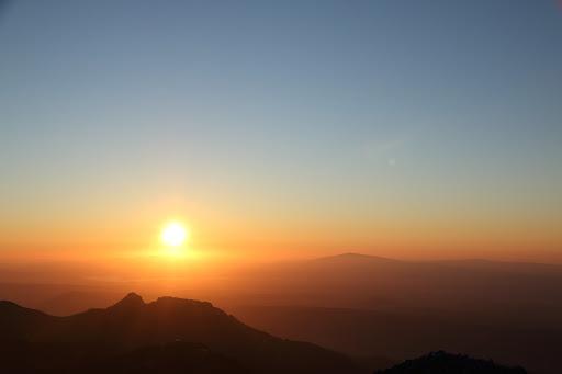 Slnko zapadalo medzi Giewont a Babiu horu